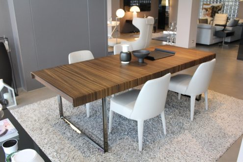 B b italia athos 39 12 table available in outlet with a 40 for B b italia outlet