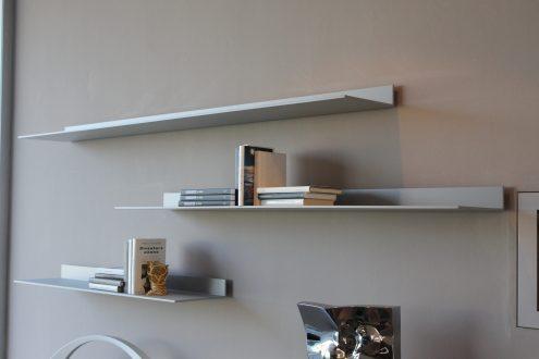 Mensole in alluminio eos giuseppe bavuso prezzi outlet for Mensole in alluminio