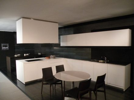 boffi cucina lt in offerta outlet con prezzo scontato del 70. Black Bedroom Furniture Sets. Home Design Ideas