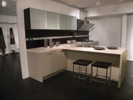 Varenna Poliform - Cucina Minimal in offerta con prezzo scontato del 75%
