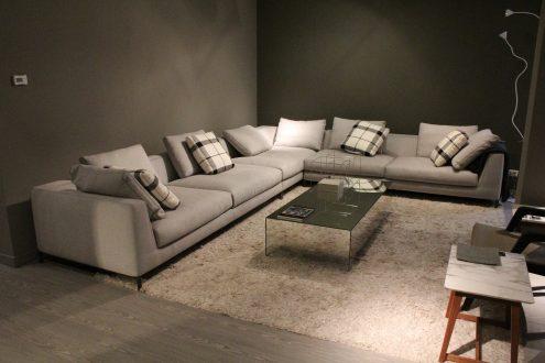 B&B Italia - divano Ray disponibile nel nostro outlet scontato del 30%
